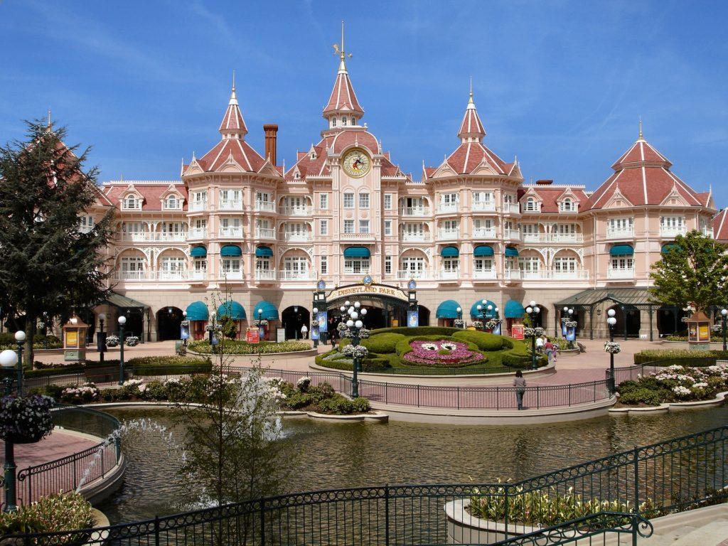 Quanto costa andare a Disneyland Paris? - Fulvio e Simona ...
